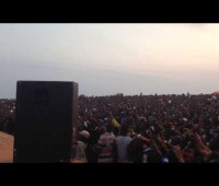 Liberia Love R2Bees Liberian Crowd Go Crazy For R2Bees Song 'Slow Down' @ Beach Jam